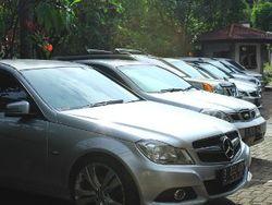 Unik, Ada Komunitas Pengguna Mobil Warna Silver