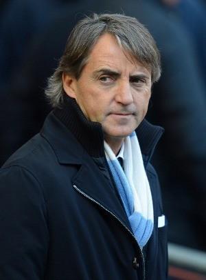 Mancini: MU Cuma Beruntung Bisa Unggul 15 Poin dari City