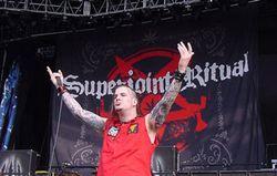 Eks Vokalis Pantera Mengaku Semua Anggota Band Sempat Diincar Pembunuh Sang Gitaris