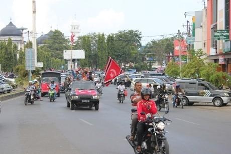 Bendera GAM Dikibarkan di Banda Aceh, Warga Aceh Tengah Arak Merah Putih