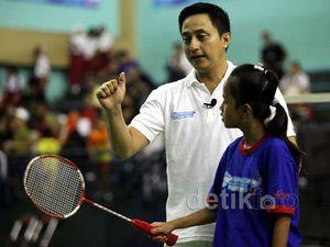 Ricky Subagja Beri Pelatihan Kepada Atlet Muda