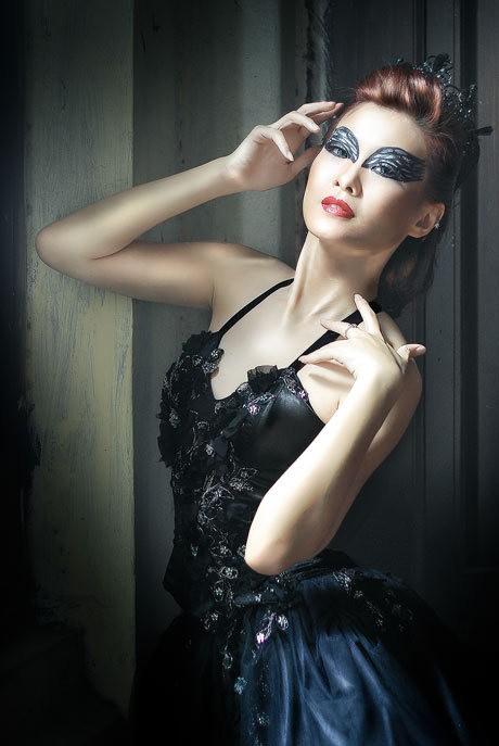 (The Black Swan/Dena Anggita)