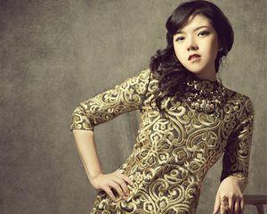Foto: Tina Toon Tampil Seksi dan Elegan