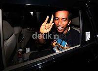Ini 4 Reaksi Cool Jokowi Disebut Jawara Survei Capres