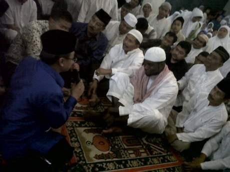 Memeluk Islam, Abanda Herman Menyemat Nama Ahmad