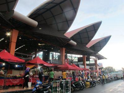 Pasar Minggu di Kuching yang Super Bersih
