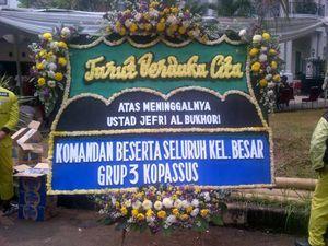 Kopassus & Jokowi Kirim Karangan Bunga ke Rumah Duka Uje