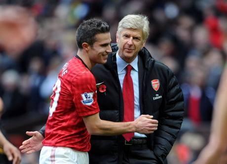 Van Persie Subur di Emirates & Arsenal yang Rapuh di Kandang