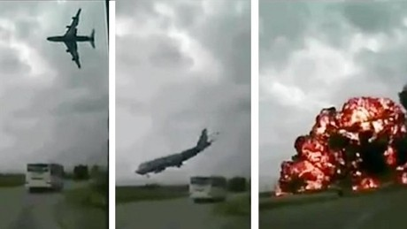 Detik-detik Pesawat Kargo AS Jatuh di Afghanistan Terekam Kamera