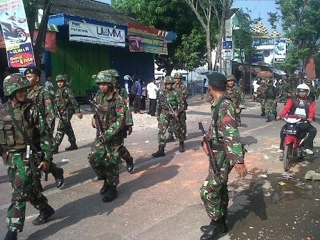 Suporter-Warga Bentrok di Purwodadi, TNI-Polisi Siaga & Jalan Diblokir