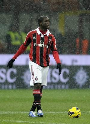 Milan Cari Bek di Bursa Transfer Musim Panas