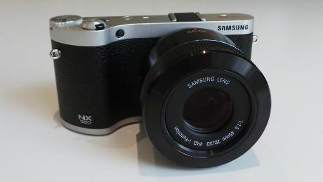 Samsung NX300 (mashable)
