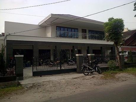 KPK Geledah Kantor Pengusaha Surung Panjaitan di Medan
