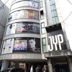 Jalan-jalan ke 3 Agensi KPop Terbesar di Korea