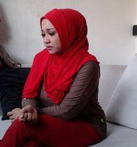 4 Sentilan Pedas Sefti terhadap Selingkuhan Fathanah