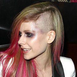 Marilyn Manson Pengaruhi Gaya Rambut Avril Lavigne