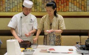 Mengupas Trik Membuat Sushi Klasik Jepang Bersama Chef Singho Ishimaru