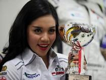 Alexandra Siap Raih Podium di Formula Renault Rounds