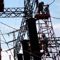 PLN Resmikan 4 Pembangkit Listrik Matahari Untuk Warga NTT