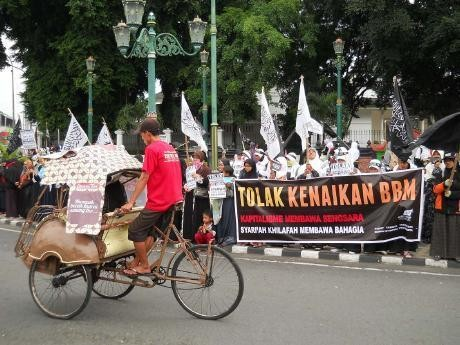 Tolak Kenaikan BBM, Jakarta \Dikepung\ Demonstran Senin Besok
