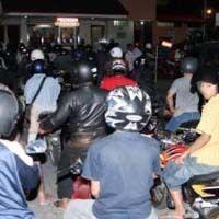 Ratusan Kendaraan Antre di SPBU 24 Jam di Samarinda Tiap Malam