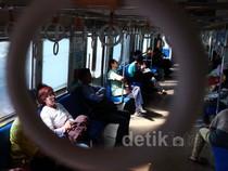 Asyik! Tiket Commuter Line Turun Harga