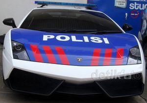 Patwal Lamborghini dan Lotus Jadi-jadian