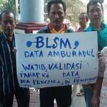 Ketua RT/RW di Jember Demo Tuntut Pembagian Balsem Ditunda