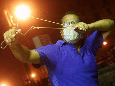Pendukung Morsi Bentrok dengan Polisi