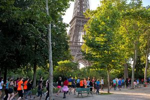 Lupakan Tour de France, Ini Dia Tur Lari Keliling Paris