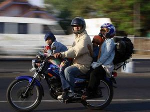 Masyarakat Perlu Diedukasi Masalah Keselamatan Berkendara