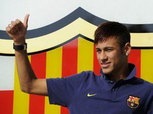 Melirik Mobil Pilihan Neymar