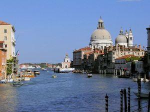 Tabrakan Gondola, Turis Jerman Meninggal di Venesia