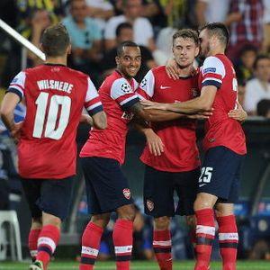 Walcott Minta Arsenal Tak Berpuas Diri
