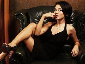 Anggita Sari, Sexy in Black