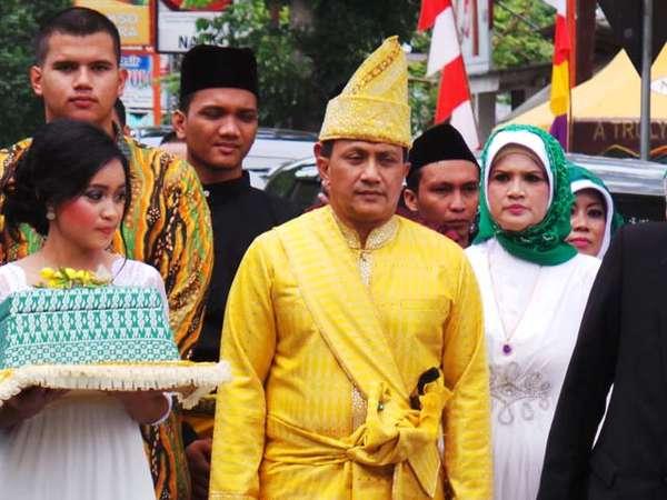 Meriahnya Pernikahan Bella dan Mayor Jenderal Agus