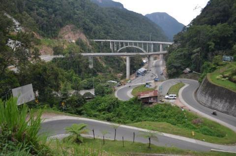 Peresmian Jembatan Kelok 9 Molor ke Oktober 2013
