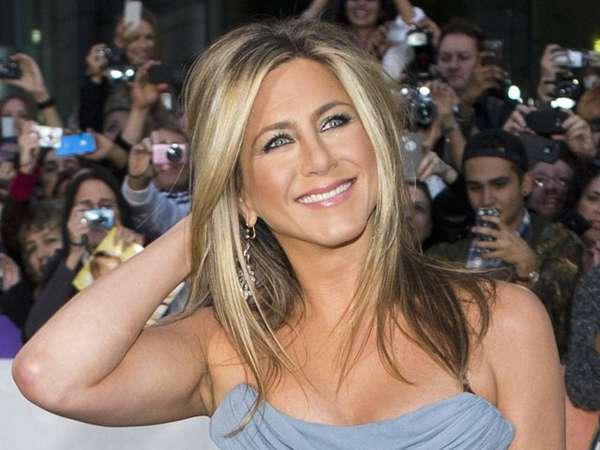 Pesona Jennifer Aniston di Usia 44 Tahun
