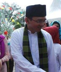 5 \Oleh-oleh\ Mudik Ahok dari Kampung Gantong di Belitung