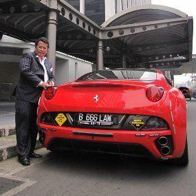 Cerita Hotman Paris dan Mobil Mewah, Lamborghini Hingga Ferrari
