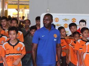 Andy Cole \Merumput\ di Booth Chevrolet