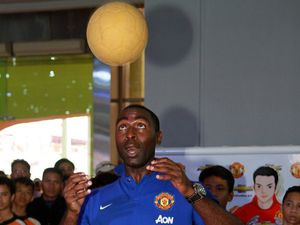 Andy Cole Merumput di Booth Chevy