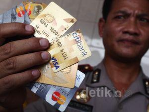 Penipu Kartu Kredit Dibekuk