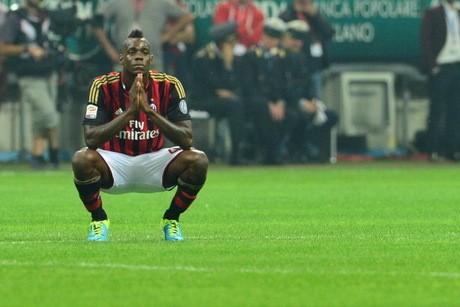 Balotelli Minta Maaf kepada Milan dan Wasit