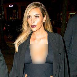 Gaya Seksi si Hot Mom Kim Kardashian Pasca Melahirkan