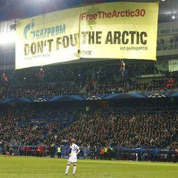 Greenpeace dan Sepakbola yang Penuh dengan (Perusahaan) Energi