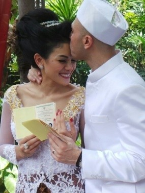 Cium Sang Suami, Nikita Mirzani Gemes
