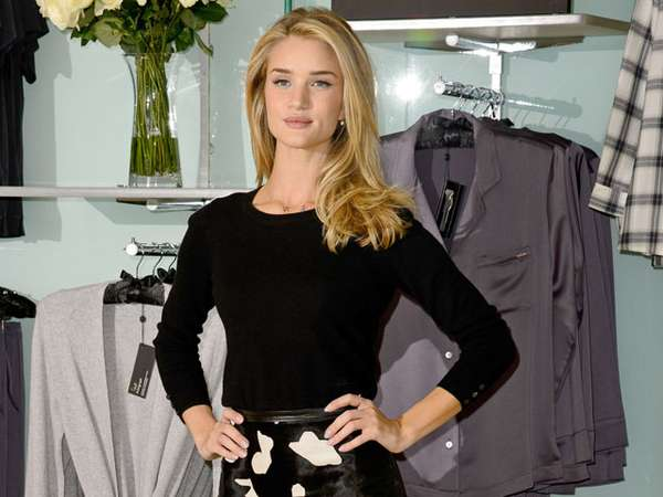 Pretty and Chic Rosie Huntington-Whiteley