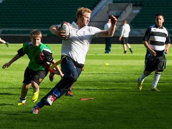 Serunya Main Rugby dengan Pangeran Harry