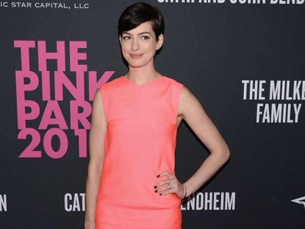 Pretty in Pink Anne Hathaway